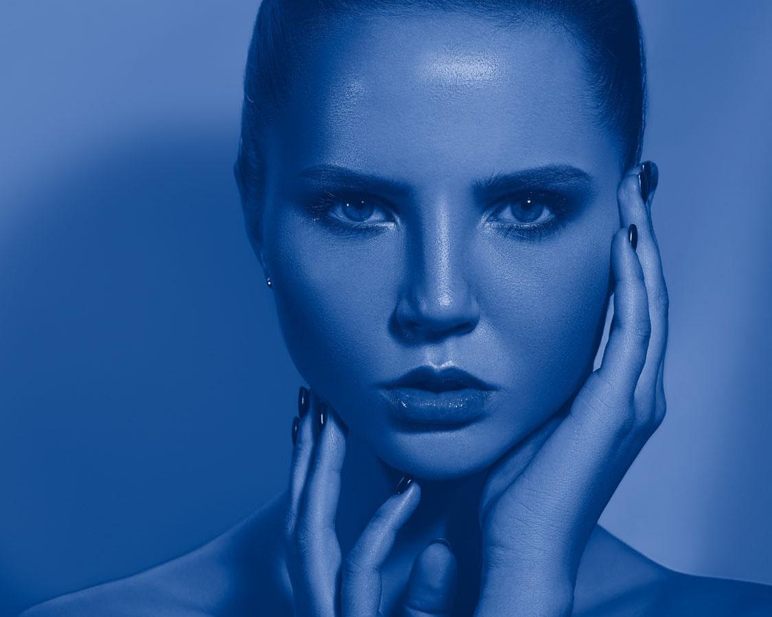 Blaulicht bei Smartphones - So schützt ihr eure Haut